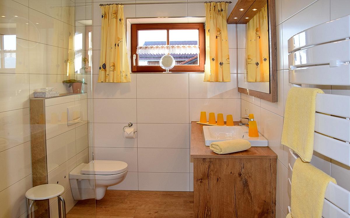 Badezimmer in der Ferienwohnung Edelsberg